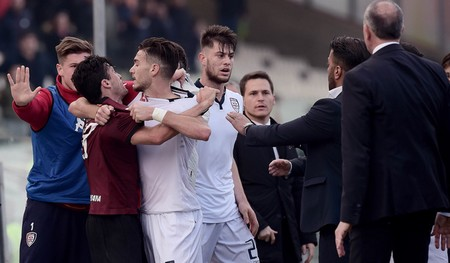 Il Far West di Salernitana-Cagliari